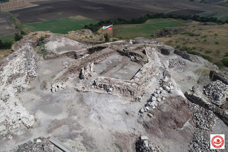 Кости от зубър, камила и турук са открити в крепостта Русокастро